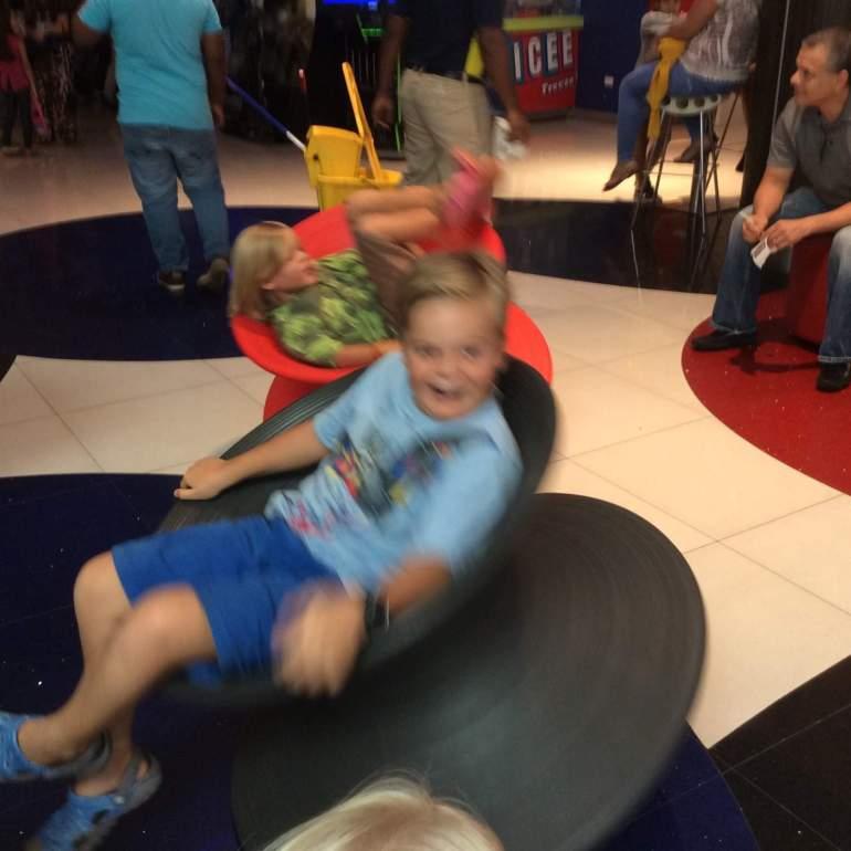 I'm spinning around!